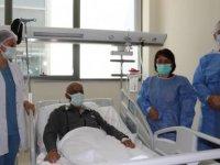 Suriyeli lösemi hastası, Adana'da ağabeyinden yapılan kök hücre nakiliyle sağlığına kavuştu