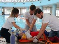 Kırklareli'nde jandarma, sahil güvenlik ve zabıta ekiplerine boğulma vakalarına karşı ilk yardım eğitimi verildi