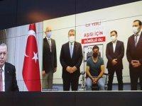 """Cumhurbaşkanı Erdoğan, """"yerli Kovid-19 aşısının üçüncü fazının ilk doz uygulamasına"""" video konferansla katıldı:"""