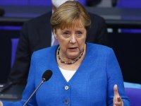 Almanya Başbakanı Merkel, halkı Kovid-19 salgınında tedbirli davranmayı sürdürmeye çağırdı: