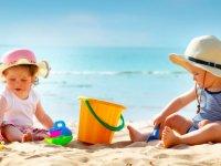 Bebek ve Çocuklar İçin Güneş Çarpması Uyarıları!
