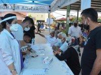 Çorum'un Alaca ilçesinde sebze pazarında randevusuz Kovid-19 aşısı yapılıyor