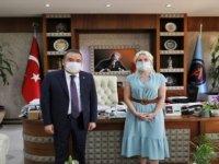 Antalya Büyükşehir Belediye Başkanı Böcek, Kovid-19 tedavisi gördüğü Akdeniz Üniversitesini ziyaret etti: