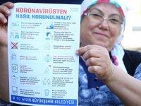 Aydın'da sağlık çalışanlarının çocukları, aşı konusunda bilgilendirici broşür dağıttı