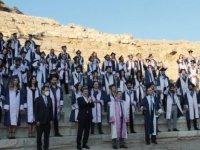 """Muğla'da tıp fakültesi mezunları, diplomalarını """"modern tıbbın kurulduğu"""" Knidos Antik Kenti'nde aldı"""