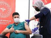 """Yerli aşı """"TURKOVAC"""", Faz-3 çalışması kapsamında İstanbul'daki gönüllülere uygulanıyor"""