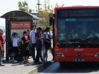 İzmir'de sağlıkçılar, ücretsiz ulaşım ve otopark uygulamasının 31 Aralık'a kadar uzatılmasını talep etti