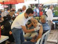 Harran'da sağlıkçılar Arapça anonslarla vatandaşları aşı olmaya çağırdı
