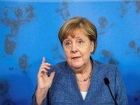 Almanya Başbakanı Merkel ülkede aşı zorunluluğu getirilmeyeceğini açıkladı