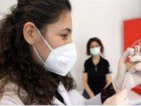 """Sağlık Bakanlığından sözleşmeli aile hekimi ve aile sağlığı çalışanlarına """"Kovid-19 aşısı"""" ödemesi"""