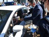 Balıkesir Valisi Hasan Şıldak, Kurban Bayramı öncesinde trafik denetimlerine katıldı: