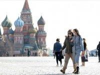 Moskova'da Kovid-19 tedbirlerinin gevşetilmesi yönünde alınan karar uygulamaya konuldu