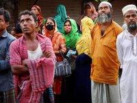 Bangladeş'te Kovid-19 salgınının başından bu yana en yüksek günlük vaka ve ölü sayısı kaydedildi