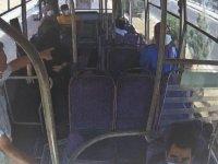 Siirt'te halk otobüsü şoförü, rahatsızlanan kadını güzergah değiştirip hastaneye ulaştırdı