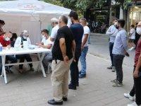 Siirt'te sağlık ekipleri toplumsal bağışıklığı artırmak için gece gündüz aşı hizmeti veriyor
