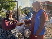 Üniversiteli Reyhan dedesini kaybettiği yangında yaptıklarıyla gönüllere dokunuyor