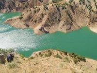 Tunceli'de kayalıkta mahsur kalan kadını AFAD ekibi kurtardı