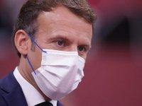 """Fransa Cumhurbaşkanı Macron: """"Sağlık ruhsatı uygulamasına geçmeseydik kapanmak zorunda kalacaktık"""""""