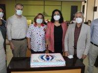 GAÜN Şahinbey Onkoloji Hastanesi 50'nci kök hücre naklini pasta keserek kutladı