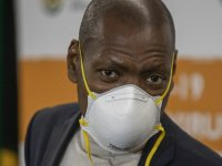 Güney Afrika'da yolsuzlukla suçlanan Sağlık Bakanı Mkhize istifa etti