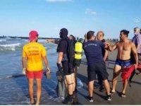 """Samsun'da denizde boğulma tehlikesi geçiren kadını """"kurbağa adam"""" ekibi kurtardı"""