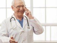 """60 yaşını dolduran doktorlar özel hastanelerde """"boş kadro"""" şartı aranmaksızın çalışabilecek"""