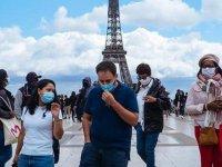 Fransa'da Kovid-19 sağlık ruhsatı uygulaması başladı