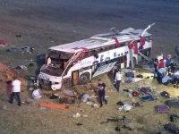 Balıkesir'de yolcu otobüsü devrildi: 15 kişi öldü, 17 kişi yaralandı