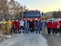 Edirne UMKE personeli, Muğla'da yangından etkilenenlere acil sağlık hizmeti sunuyor