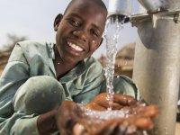 Gurbetçi ailenin bağışıyla açılan kuyu ile Afrikalılar temiz suya kavuştu