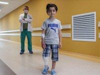 Küçük Alparslan, hava ambulansıyla geldiği hastanede 2 ayda ayağa kalktı