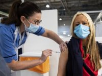 Almanya'da binlerce kişiye Kovid-19 aşısı yerine tuzlu su enjekte edildiği ortaya çıktı