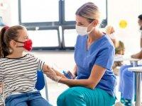 Fas 12-17 yaş aralığındaki öğrencilere Kovid-19 aşısı uygulamaya başladı