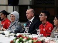 Cumhurbaşkanı Erdoğan Tokyo Olimpiyat Oyunları'nda madalya alan milli sporcularla bir araya geldi: (1)