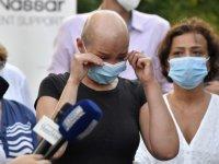 Ekonomik krizdeki Lübnan'da ilaç bulamayan kanser hastaları seslerini duyurmak istiyor