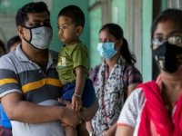 """Hindistan'ın Firozabad şehrinde """"gizemli"""" yüksek ateşten 12 çocuk daha hayatını kaybetti"""
