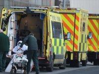 İngiltere'de Kovid-19 salgınında son 6 ayın en yüksek günlük ölüm sayısı kaydedildi