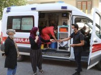 Bingöl'de ambulanslardan yapılan anonslarla vatandaşlar aşıya davet ediliyor