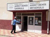 Mardin Büyükşehir Belediyesi okulları dezenfekte ediyor