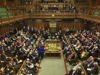 İngiliz hükümeti, sağlık ve sosyal bakımı finanse etmek için vergi artışına gidecek