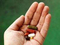 Bu Düzenleme Reçetesiz İlaçların Önünü Açar !