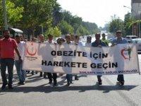 Türk Kızılay gönüllüleri obeziteye dikkati çekmek için yürüdü