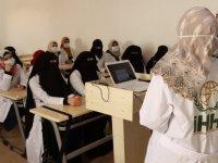 İHH'nin İdlib'de açtığı ebelik bölümü ilk mezunlarını verdi