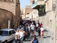 Mardin'de meme kanserine dikkat çekmek için yürüyüş yapıldı