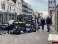 İngiltere'nin Brighton kentinde temizlik işçilerinin grevi nedeniyle çöp yığınları oluştu