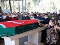 Mersin'de meslektaşının av tüfeğiyle öldürdüğü doktorun cenazesi defnedildi