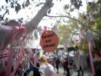"""Kırklareli'nde meme kanserine """"farkındalık ağacı"""" ile dikkat çekildi"""