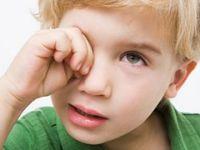 Göz kaşımak pek çok hastalığa davetiye çıkarıyor