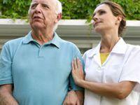 Evde bakım hizmeti alan hastaların yakınlarına eğitim verildi