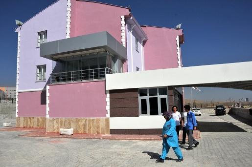 5-yildiz-degerinde-amatem-hastanesi-hemsire-olmadigi-icin-acilamiyor-(12).jpg